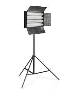 walimex Flächenleuchte 220W mit Spiegel und Stativ 355cm